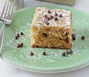 Εύκολο κέικ με σταγόνες σοκολάτας και επικάλυψη τραγανού κράμπλ
