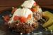 Μπιφτέκια γεμιστά με τυρί κρέμα και πικάντικες πατάτες φούρνου