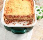 Σπαγγέτι μπολονέζ με αφράτη κρέμα τυριού στο φούρνο