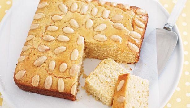 Πανεύκολο κέικ λεμονιού με αμυγδαλα