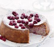 Κέικ αμυγδάλου με βατόμουρα, χωρίς γλουτένη, με 4 υλικά