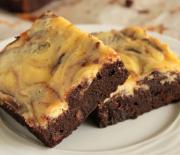 Υπερ-σοκολατένιο brownie με επικάλυψη cheesecake