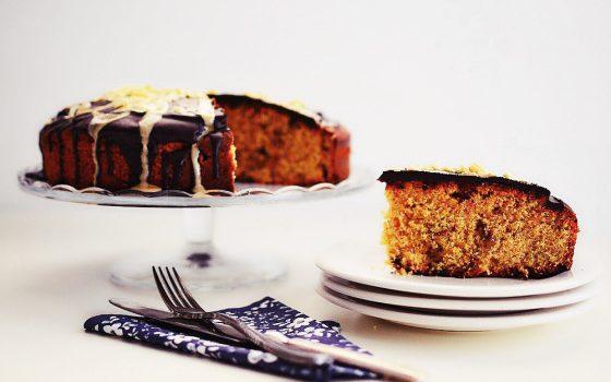 Κέικ πορτοκαλιού με ταχίνι και σταφίδες