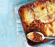Ψητές μελιτζάνες, κολοκυθάκια και πιπεριές σε σάλτσα ντομάτας στο φούρνο