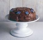 Το τέλειο, πανεύκολο κέικ σοκολάτας της Nigella Lawson (Video)