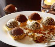 Σοκολατένια τρουφάκια με ρούμι και πορτοκάλι