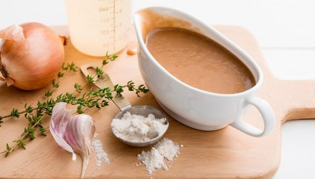 5 απλές, υπέροχες σάλτσες για τα φαγητά και τις σαλάτες σας