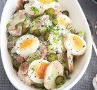 Πατατοσαλάτα με ζαμπόν, αυγά και αγγουράκι τουρσί