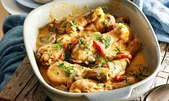 Κοτόπουλο Στρογκανόφ με μανιτάρια