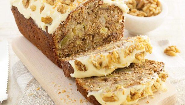 Κέικ μπανάνας με ινδοκάρυδο, καρύδια και βουτυρόκρεμα τυριού