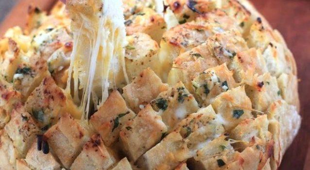 10 συνταγές για γεμιστό ψωμί