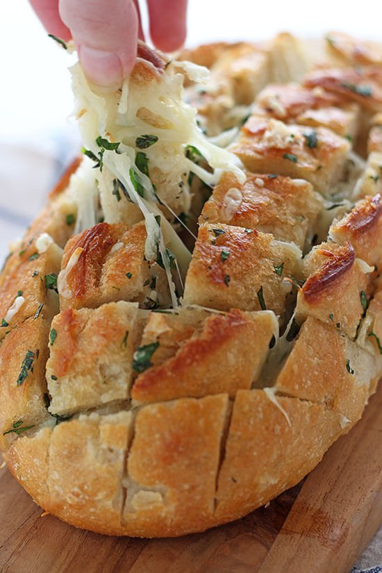 Cheesy-Garlic-Herb-Crack-Bread-01