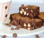 Μπράουνις Νουτέλας με σταγόνες σοκολάτας