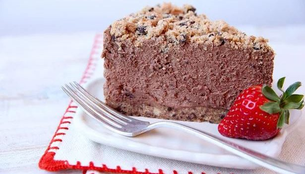 Amaretto cheesecake σοκολάτας χωρίς ψήσιμο