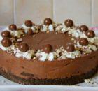 Τούρτα σοκολάτας με κρέμα τυριού και maltesers χωρίς ψήσιμο