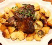 Το τέλειο κατσικάκι στο φούρνο με πατάτες