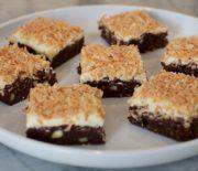 Brownies αφράτο με τέλεια κρέμα ινδοκάρυδου