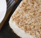 Τούρτα με κρέμα ινδοκάρυδου και μπισκότα χωρίς ψήσιμο (Video)
