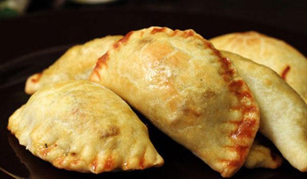 Μανιταροπιτάκια με λαχανικά και σπιτική ζύμη Empanada στο φούρνο (Video)