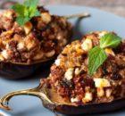 Μελιτζάνες γεμιστές με κιμά, φέτα και Μεσογειακά αρώματα και γεύσεις