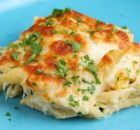 Κοτόπουλο με πέννες και τυρί στο φούρνο (video)