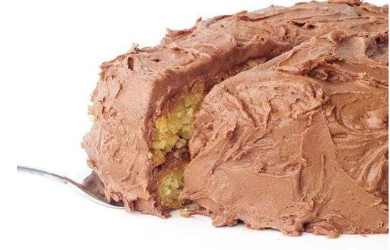 Το τέλειο κέικ με αφράτο frosting νουτέλας