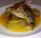 Ψάρι με πατατούλες στο φούρνο
