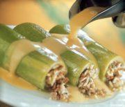 Κολοκυθάκια γεμιστά με κιμά και ρύζι και κρέμα αυγολέμονο
