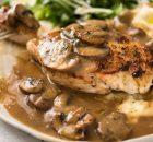 Κοτόπουλο με σάλτσα μανιταριών (Video)