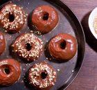 Αφράτα ντόνατς στο φούρνο με γλάσο νουτέλας (Video)