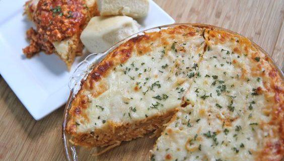 Η τέλεια πίτα με σπαγγέτι και κιμά (Video)