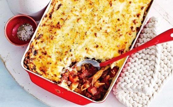 Μοσχαράκι με πέννες και μελιτζάνες στο φούρνο με κρέμα τυριού