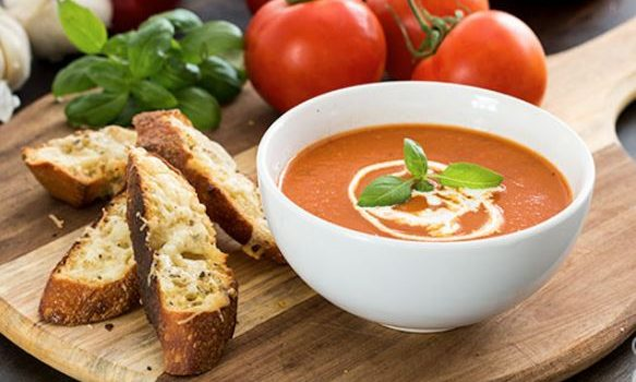 Ντοματόσουπα με ψητές ντομάτες και πιπεριές (Video)