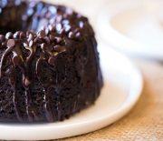 Το απόλυτο κέικ με τριπλή σοκολάτα