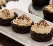 Φωλιές cookies γεμιστές με κρέμα φυστικοβούτυρο (Video)