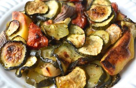 Κολοκυθάκια με πατάτες στο φούρνο