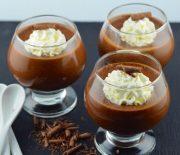 Μους πραλίνα με κρέμα σοκολάτας και φουντούκια