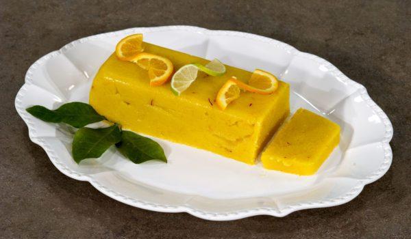 Χαλβάς σιμιγδαλένιος με πορτοκάλι και κρόκο Κοζάνης