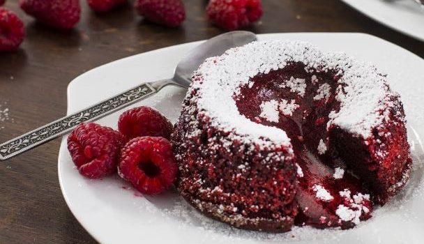 Red Velvet λάβα κέικ (video)