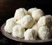 Τρουφάκια με λευκή σοκολάτα και ινδοκάρυδο (Video)