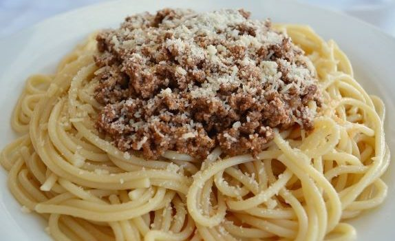 Μακαρόνια με τη τέλεια σάλτσα Μπολονέζ