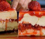 Παγωτό cheesecake με λευκή σοκολάτα και φράουλες
