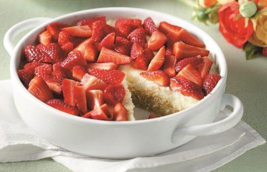 Εύκολο εκμέκ κανταΐφι με κρέμα και φράουλες