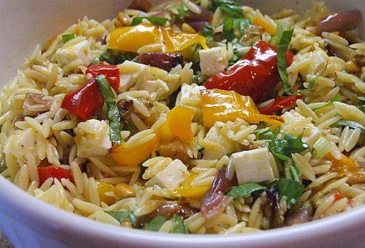 Κριθαράκι με ψητά λαχανικά και φέτα λαδολέμονο