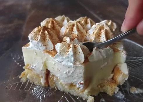 Δροσερό γλυκό ψυγείου με κρέμα βανίλιας και φρυγανιές (Video)
