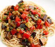 Μακαρόνια με υπέροχη σάλτσα μελιτζάνας
