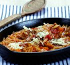 Μοσχαράκι με λαχανικά και κριθαράκι ή χυλοπιτάκι