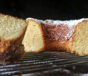 Το πιο αφράτο και εύκολο κέικ βανίλιας (Video)