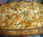 Πέννες με κοτόπουλο σε κρεμώδη σάλτσα στο φούρνο