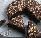 Φουντουκόπιτα με σιρόπι σοκολάτας